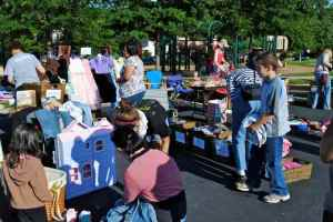 2011 Community Yard Sale-4